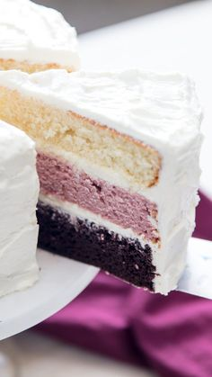 Flour Frosting: The Not-Too-Sweet Buttercream for Whipped-Cream Lovers