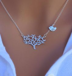 love this necklace. love etsy.