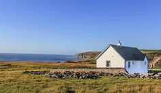 Two Bedroom Wee House - Caithness : Classic style houses by The Wee House Company