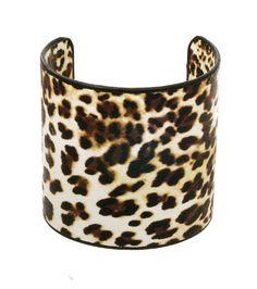 COLOR LEOPARD MATERIAL BLACK COATING DESCRIPTION Leopard print cuff bracelet SIZE Size : 14 inches