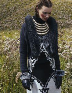 Harpers-Bazaar_Bromo-Ksenia_Nicoline-Patricia-Malina_04384.jpg (929×1200)