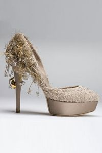 Google Image Result for http://static.becomegorgeous.com/img/articles/mai_lamore_couture_shoes.jpg