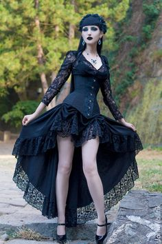 Model, MUA: Obsidian Kerttu Photo: John Wolfrik... - Gothic and Amazing More