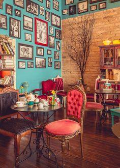 Agridoce Cafe Interior Design, Cafe Design, Interior Design Living Room, Cozy Coffee Shop, Coffee Shop Design, Cosy Cafe, Casa Retro, Deco Boheme, Vintage Cafe