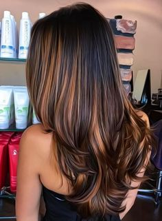 Balayage is the hottest dyeing technique right now. Check the chicest variants of balayage highlights and find out why you should give them a try too! Straight Hair Highlights, Straight Black Hair, Hair Color Highlights, Ombre Hair Color, Hair Color For Black Hair, Hair Colors, Balayage Highlights, Chunky Highlights, Brown Highlights Black Hair
