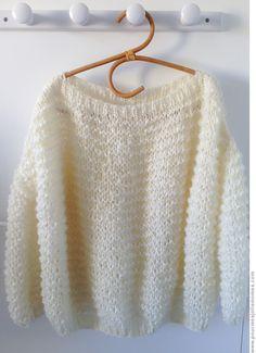 Grande première : je me suis tricoté un pull pour moi. Record du monde personnel : il est tombé de mes aiguilles...
