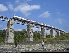 RailPictures.Net Photo: CC20151 PT Kereta Api (Persero) U18C at Bumiayu, Brebes, Central Java, Indonesia by Agung Wicaksono