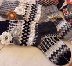 Knitting Socks, Knit Socks, Fingerless Gloves, Arm Warmers, Mittens, Wool Hats, Crochet, Crafts, Color