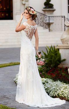 Trouwjurken | Trouwjurk van het merk Stella York model 6118 - Weddings Bruidsmode