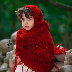 The World Cutest Baby - Anahita Hashemzadeh - My Baby Smiles Cute Baby Girl Photos, Baby Girl Poses, Cute Little Baby Girl, Baby Boy Pictures, Cute Girls, Baby Twins, World's Cutest Baby, Cute Baby Girl Wallpaper, Cute Babies Photography