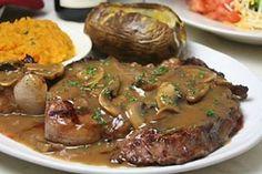 Sorprende en el almuerzo con ricos medallones en salsa de champiñones, encuentra ingredientes en Olímpica y receta aquí. ✔Ingredientes: Lomo fino de res Olímpica (800g) Champiñón Olímpica (300g) Aceite de oliva Olímpica (50cm3) Caldo de costilla (1 cubo) Vino tinto (200cm3) Tomillo Olímpica (2 cucharadas) Sal y pimienta Olímpica (al gusto) Maicena (30g) ✔Preparación: Corta el lomo de res en medallones, sazona con sal y pimienta; lleva a un sartén a fuego medio hasta dorar, retira y reserva…