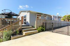 18 Aubrey st - cbd quite good Virtual Tour, New Zealand, Property For Sale, Deck, Real Estate, Houses, Outdoor Decor, Home Decor, Homes
