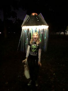 I built this alien abductee costume out of poster board and duct tape for my kid. I built this alien abductee costume out of poster board and duct tape for my kid. Space Costumes, Family Costumes, Cool Costumes, Space Theme Costume, Costume Ideas, Alien Party, Alien Halloween Costume, Halloween Kostüm, Alien Costumes