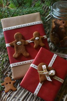 Gingerbread gift tags. Cute, although I would actually make them from polymer clay rather than real gingerbread - sturdier, and won't leave greasy marks on the gifts or attract vermin!