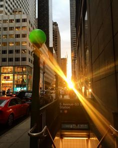 A moment of magic in the madness of midtown.  #manhattanhenge #mtrain