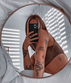 Dope Tattoos For Women, Tiny Tattoos For Girls, Little Tattoos, Mini Tattoos, Dainty Tattoos, Pretty Tattoos, Small Tattoos, Finger Tattoos, Body Art Tattoos