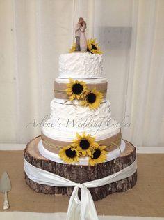 My Wedding Cake : sunflower wedding ideas Wedding Wishes, Wedding Bells, Fall Wedding, Rustic Wedding, Our Wedding, Dream Wedding, Country Wedding Cakes, Trendy Wedding, Cute Wedding Ideas