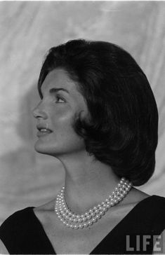 Jacqueline Kennedy Photographs: Jackie Kennedy Only 1960 Archive Estilo Jackie Kennedy, Los Kennedy, Jaqueline Kennedy, Jacqueline Kennedy Onassis, Jackie Kennedy Quotes, Southampton, American Presidents, Life Magazine, Marie