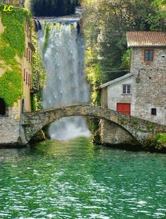 A travel guide to Nesso: (Comer See) The most charming little village in Italy. Places Around The World, Oh The Places You'll Go, Places To Visit, Dream Vacations, Vacation Spots, Italy Vacation, Vacation Ideas, Italy Honeymoon, Vacation Packages