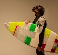 Jigsurf - 3D Printed Functional Surfboard Made of 48 Jigsaw-Like Pieces, Measuring 5'9″ http://3dprint.com/81630/3d-printed-surfboard-jigsurf/