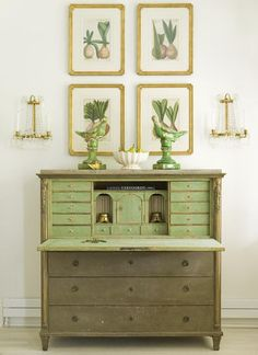 gorgeous color combo - and the desk isn't too shabby. Country Interior, Room Interior, Interior Garden, Furniture Inspiration, Interior Inspiration, Green Desk, Green Dresser, Painted Chest, Painted Wood
