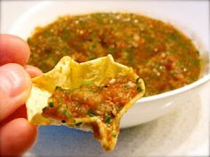(Chef)uality: Authentic Mexican Homemade Salsa---Great simple and fresh tasting salsa, I like the fact that she roasts the tomatoes in the oven, it definitely opens up the flavors! Homemade Mexican Salsa, Mexican Salsa Recipes, Mexican Dishes, Authentic Salsa Recipe, Authentic Mexican Salsa, Chefs, Salsa Picante, Appetizer Recipes, Appetizers