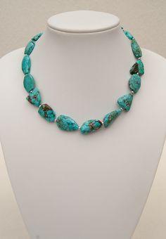 Kette aus leicht facettierten Türkisen   Turquoise necklace   atelier ie.