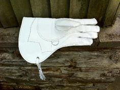 Falconry Gloves - Westweald Falconry - Falconry Equipment - Staying ahead in the field