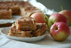 Úžasný recept na jablkový koláč, ktorý sa dedí v našej rodine už roky. Chutí priamo famózne! - Báječná vareška