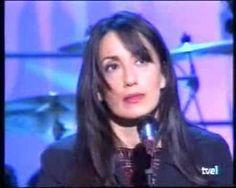 """Piensa en mí - Luz Casal -- """"Piensa en mí cuando sufras; cuando llores / también piensa en mí,"""""""