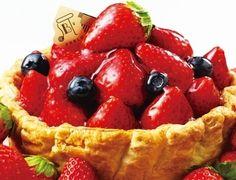 パブロに12月限定「たっぷり苺とベリーのチーズタルト」
