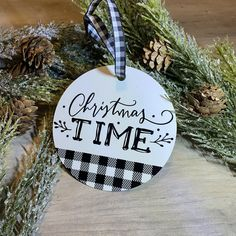 Red Christmas Ornaments, Farmhouse Christmas Ornaments, Plaid Christmas, Christmas Time, Christmas Decorations, White Christmas, Christmas Ideas, Decorating Ornaments, Diy Ornaments