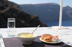 Zoe's food in Santorini! Pancakes Nutella, Zoella Beauty, Zoe Sugg, Santorini, Holiday Pictures, Grocery Store, Brunch, Breakfast, Ethnic Recipes