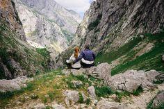 Pelo antigo caminho entre Bulnes e Poncebos | Viagens à Solta Spain, Places To Visit, Mountains, Nature, Travel, Road Maps, World, Travel Tips, Viajes