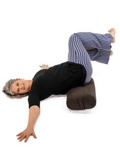 Exhale to twist, inhale back to center; repeat 8 times each side. Yoga Sequences, Yoga Poses, Yoga Terminology, Yoga Master, Home Yoga Practice, Foam Rollers, Learn Yoga, Leg Work, Yoga Journal