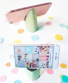 DIY: Crafting or making a phone holder  | een telefoon houder maken en knutselen  | toilet paper roll | rol wc-papier Ipad Holder, Phone Holder, Father's Day Diy, Jessie, Fathers Day, Diy And Crafts, Diys, Bbq, Hacks