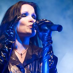 Tarja Turunen - somehow this looks sooo sensuous. Another great pic of my fave singer