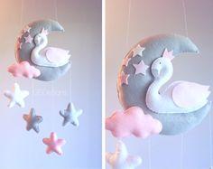 Luna de móvil - bebé cisne móvil - mobile cisne - rosa y gris móvil - bebé móvil - móvil de las nubes
