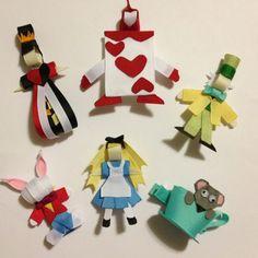 Alice in Wonderland~ hair ribbons Ribbon Hair Clips, Ribbon Art, Ribbon Hair Bows, Diy Hair Bows, Diy Ribbon, Ribbon Crafts, Disney Bows, Ribbon Sculpture, Sculpture Art