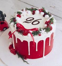 Mini Christmas Cakes, Christmas Cake Designs, Christmas Cake Decorations, Holiday Cakes, Noel Christmas, Christmas Desserts, Christmas Treats, Beautiful Cakes, Amazing Cakes