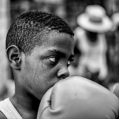 #boxe #sport #fight #habanavieja #havanavelha #cuba #cuban #streetphotography #photojournalism #fotojornalismo #caribe #caribean #loves_habana #rodadefotografos #lahabana by henrymilleo