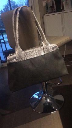 Sac City zip-zip cousu par Delphine - Simili et suédine - patron sac compartimenté Sacôtin