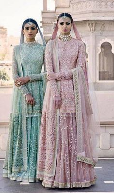 I just found out amazing Bridal Sabyasachi Lehenga Prices from his 2019 and 2018 collection. Check out 29 lehenga prices and gorgeous real bride pictures. Indian Wedding Outfits, Pakistani Outfits, Bridal Outfits, Indian Outfits, Wedding Dresses, Bridesmaid Gowns, Wedding Suits, Wedding Couples, Bridal Anarkali Suits