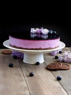 Borůvkové zrcadlo - nepečený tvarohový dort Chocolates, Czech Recipes, Types Of Cakes, Cookies And Cream, No Bake Cookies, No Bake Desserts, Cheesecake Recipes, Cake Designs, Sweet Recipes