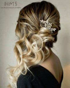 Coiffure mariage : Hair and Makeup by Steph ( Bridesmaid Hair Side, Wedding Hair Side, Romantic Wedding Hair, Bridal Hair Side Swept, Wedding Dress, Bridesmaid Side Hairstyles, Wedding Hairstyles Side, Bridesmaids, Side Swept Hairstyles