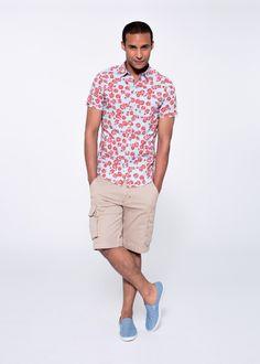 Floral shirt on bermuda SUN68 Man SS15 #SUN68 #SS15 #man #shirt #bermuda