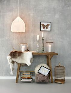 Betonlook muurverf | Woonblog by Flow Design Danish Interior, Scandinavian Interior, Scandinavian Style, Interior Styling, Interior Design, White Lamp Shade, Industrial Style Lamps, Charles & Ray Eames, Cement Walls