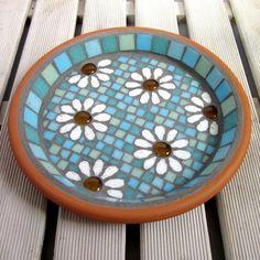 Pastel White Daisy Flower Mosaic Garden Bird Bath Ornament £40.00