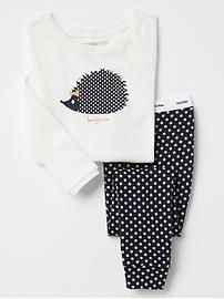 Shop Gap for comfortable and adorable baby girl pajamas. Find pajamas sets for baby girls, footed one-piece styles and robes in a variety of colors and prints. Cute Pajama Sets, Cute Pjs, Cute Pajamas, Girls Pajamas, Pajamas Women, Cute Lazy Outfits, Kids Outfits, Baby Gap, Toddler Fashion