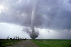 """Tornado alley"" stretches from Texas to Nebraska. Tornado Pictures, Tornado Alley, Science Museum, Tornadoes, Extreme Weather, Twin Cities, Natural Disasters, Mother Nature, Paths"